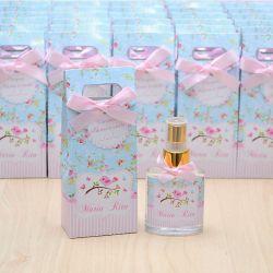 Lembrancinha personalizada caixinha home spray luxo tema jardim e passarinhos