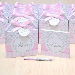Lembrancinhas maternidade caixinha com bloquinho de anotações cinza e rosa