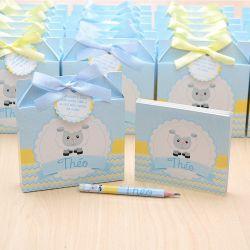 Lembrancinhas maternidade caixinha com bloquinho de anotações tema ovelhinha amarelo e azul