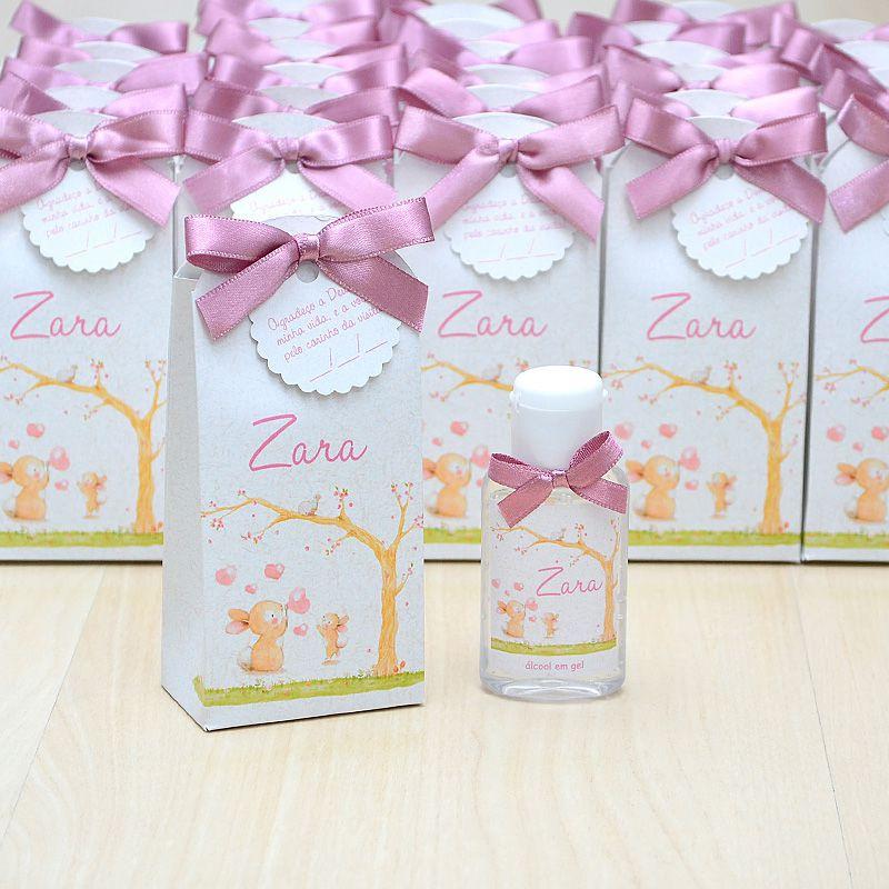Lembrancinha de maternidade caixinha com álcool gel tema bichinhos  - Valentina Milan Lembrancinhas