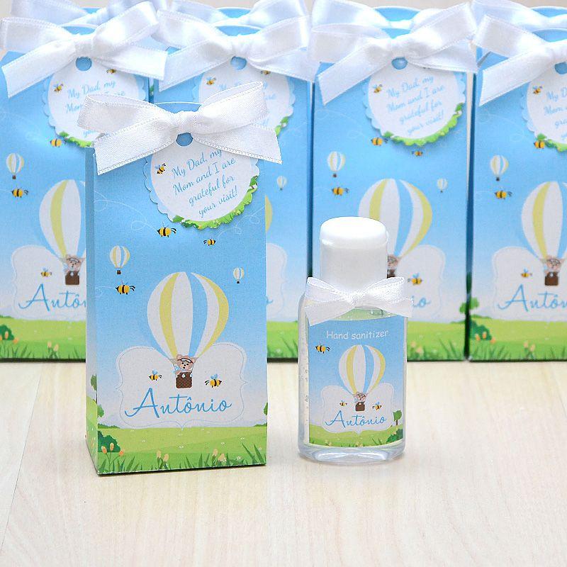 Lembrancinha de maternidade caixinha com álcool gel tema ursinho e abelhinhas  - Valentina Milan Lembrancinhas
