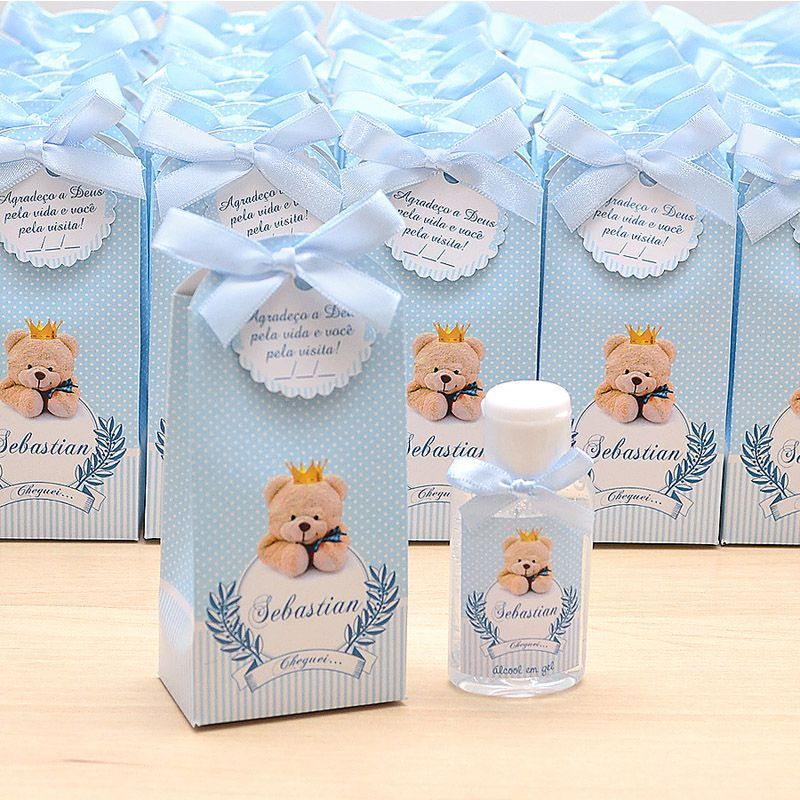 Lembrancinha de maternidade caixinha com álcool gel ursinho príncipe  - Valentina Milan Lembrancinhas