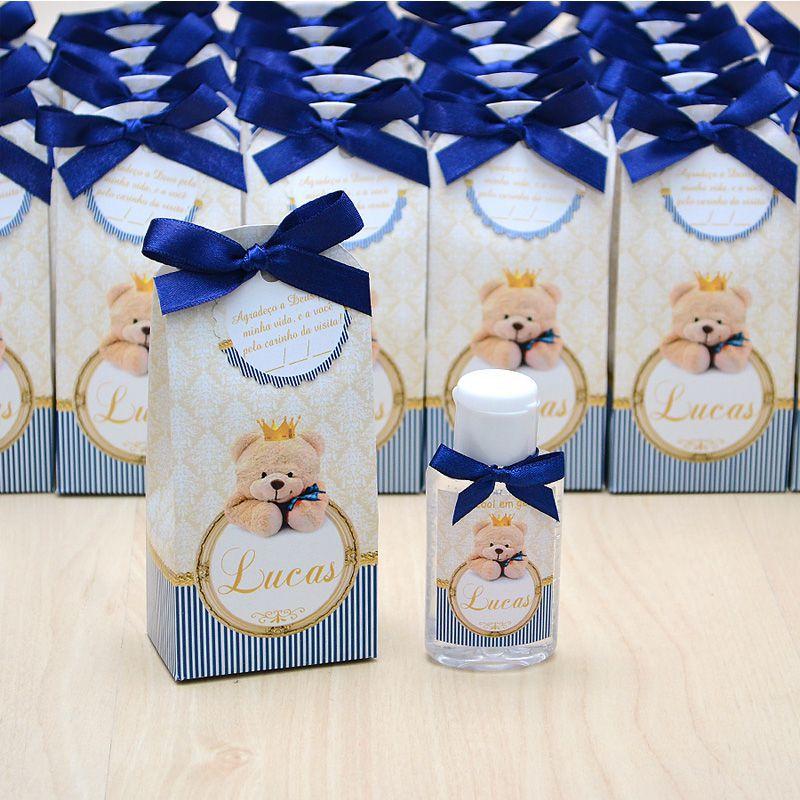 Lembrancinha de maternidade caixinha com álcool gel ursinho rei  - Valentina Milan Lembrancinhas