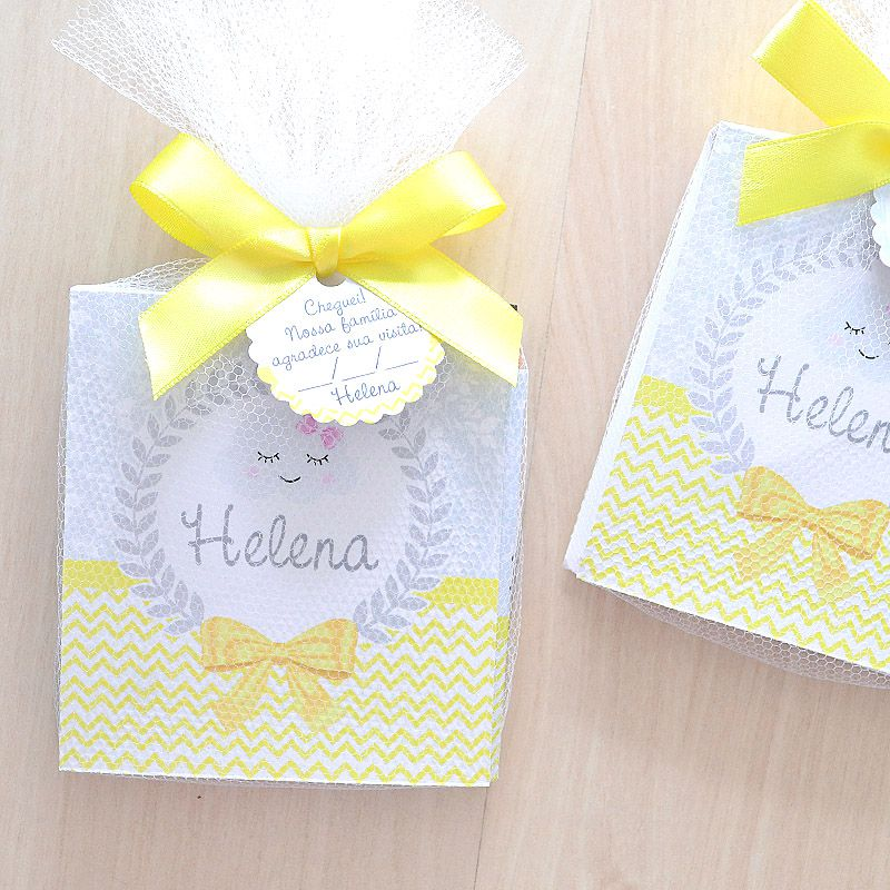 Lembrancinha caderneta de anotações com lápis tema amarelo e cinza chuva de amor nuvem  - Valentina Milan Lembrancinhas