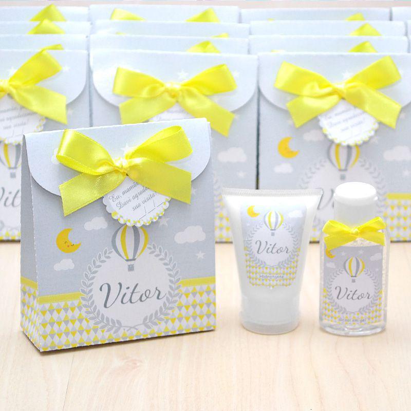 Lembrancinha de nascimento kit com hidratante e álcool em gel tema balões chevron amarelo e cinza  - Valentina Milan Lembrancinhas