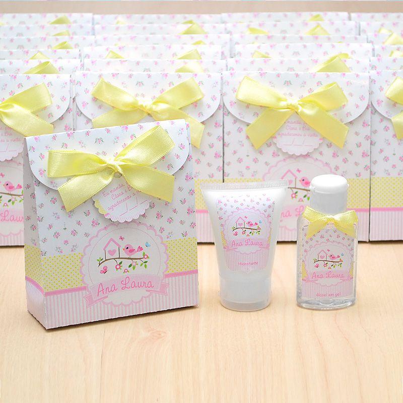 Lembrancinha de nascimento kit com hidratante e álcool em gel tema floral amarelo e rosa  - Valentina Milan Lembrancinhas e Papelaria