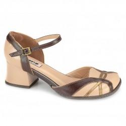 Sapato Retrô em Couro Clúsia