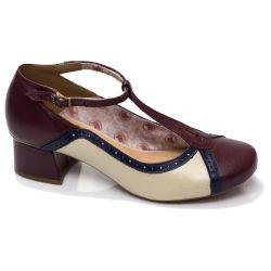Sapato Retrô em couro Estela