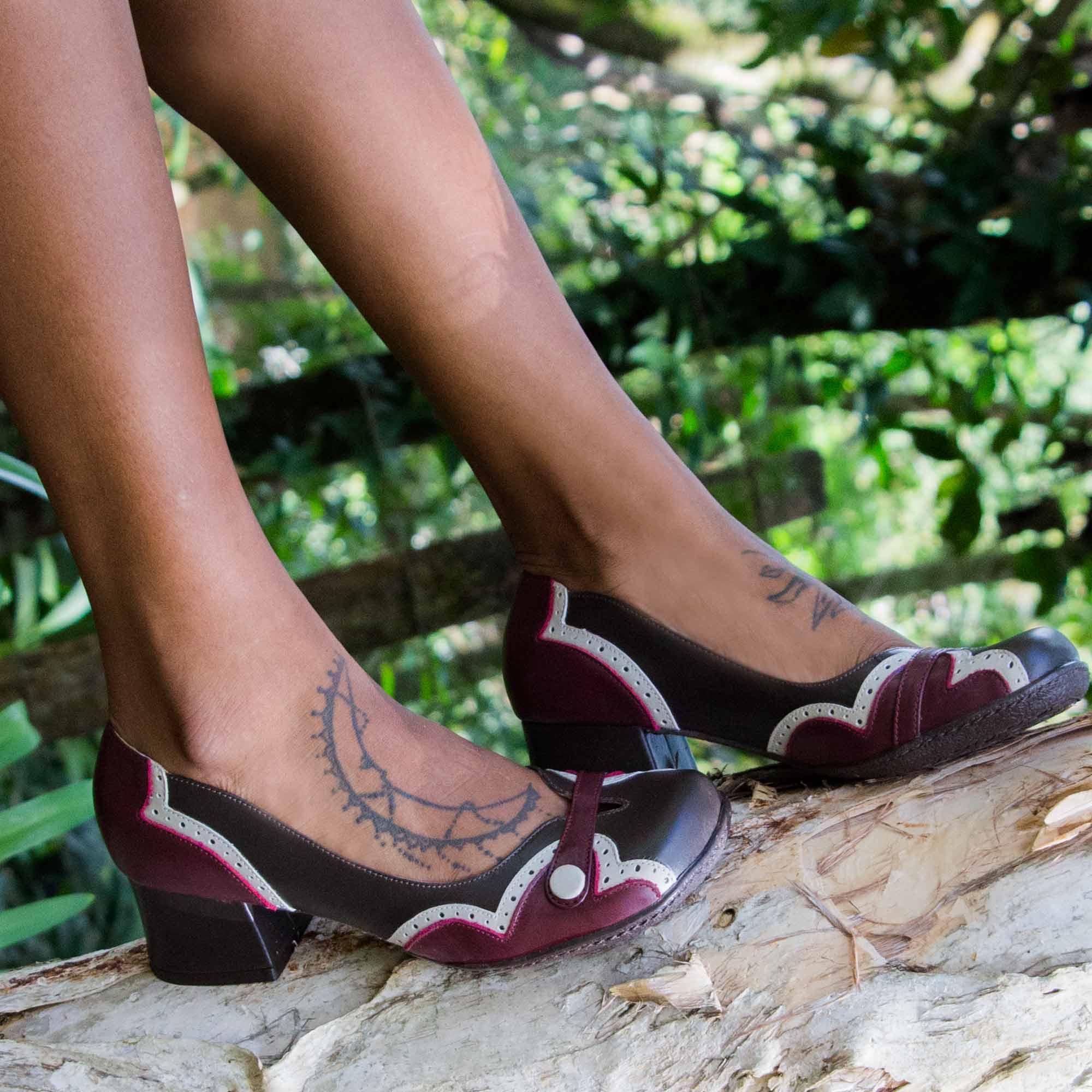 Sapato Retrô em couro Moana