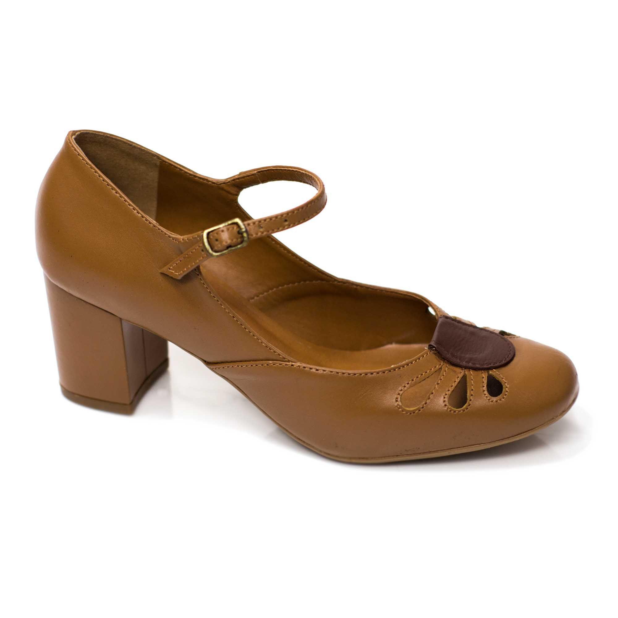 Sapato Boneca Retrô em couro Caramel