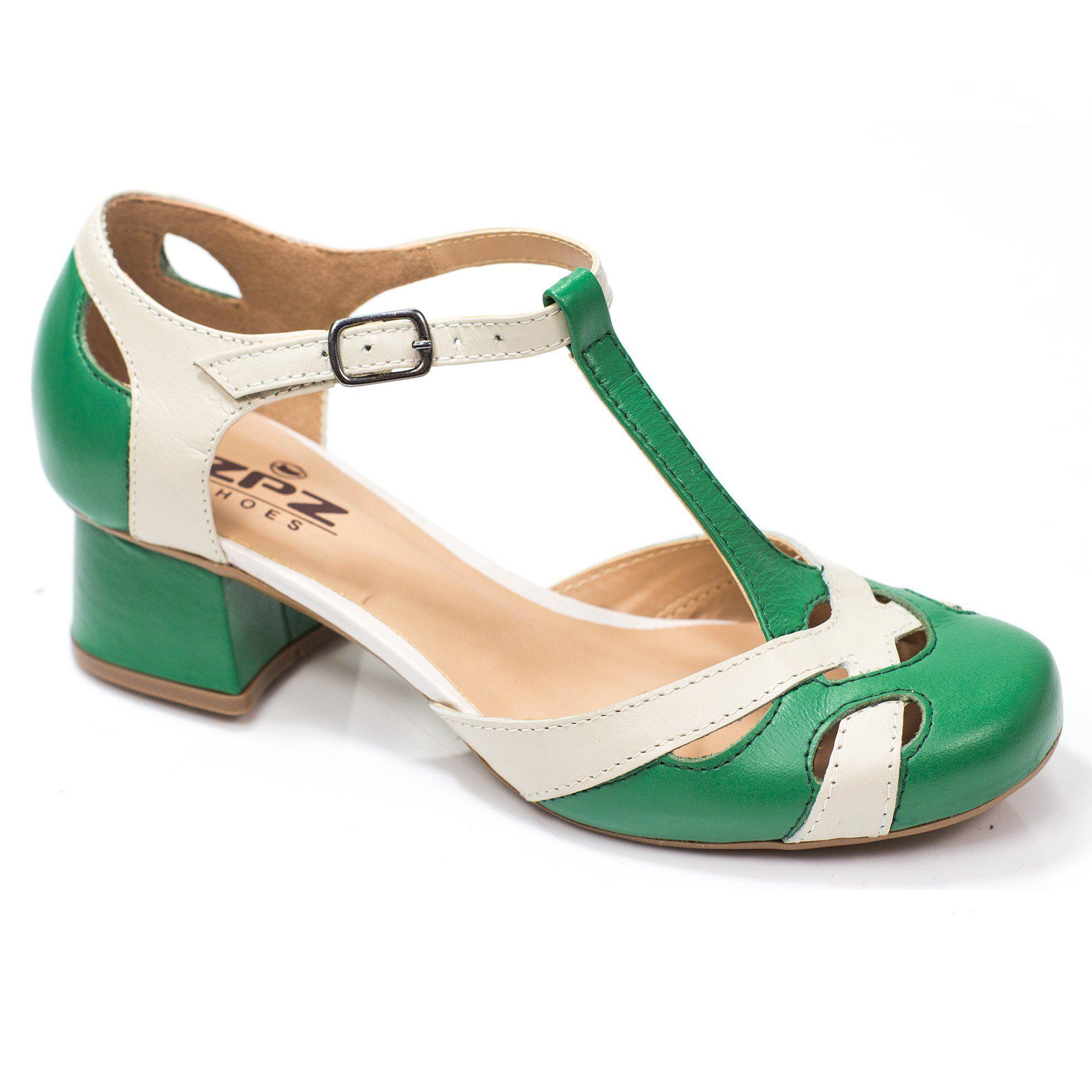 Sapato Boneca Retrô em couro Vitore