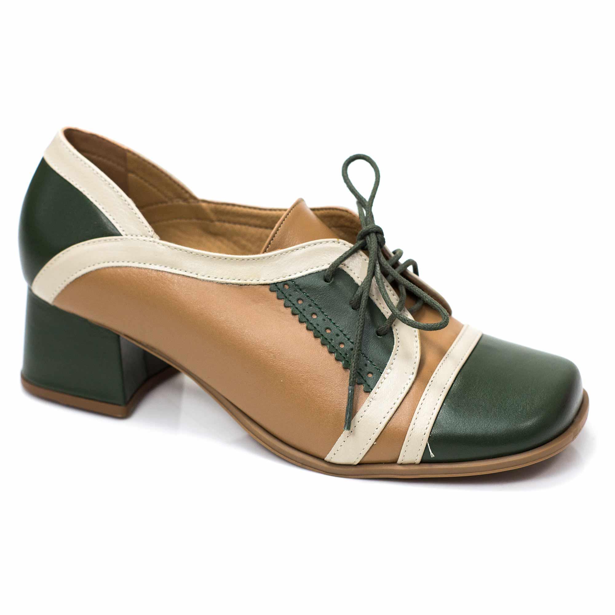 Sapato em couro Domingas