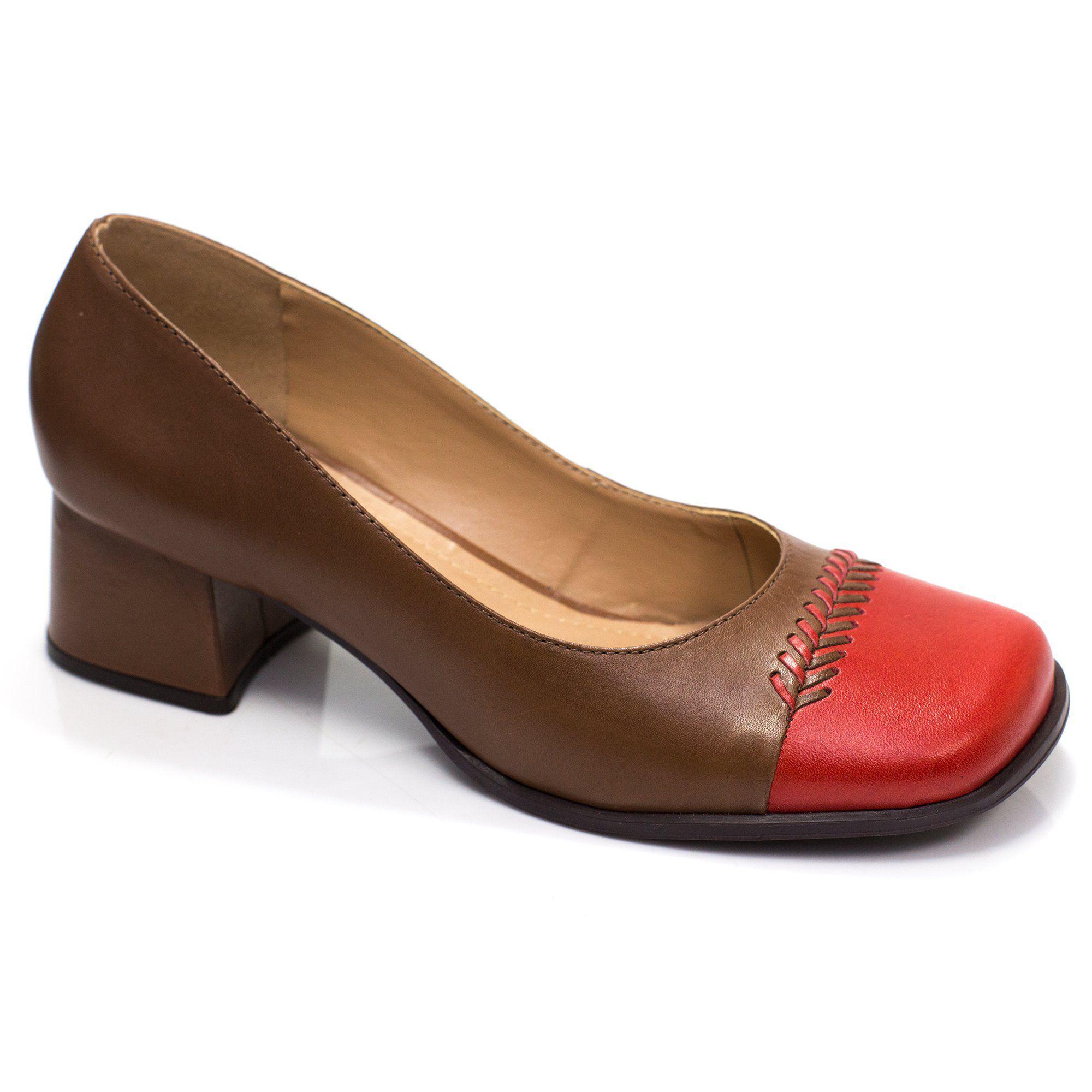 Sapato Retrô em couro Amarílis