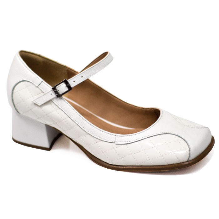 Sapato Retrô em couro Bela