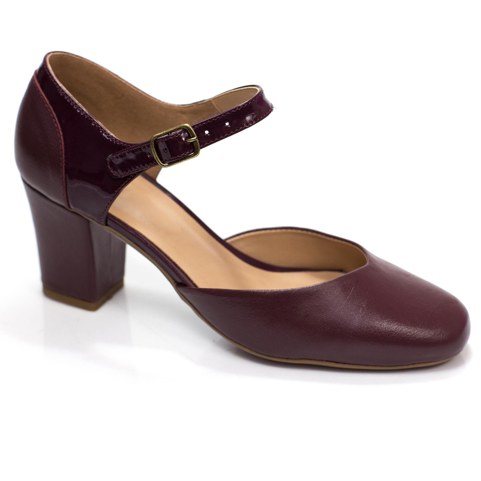 Sapato Retrô em Couro Camafeu