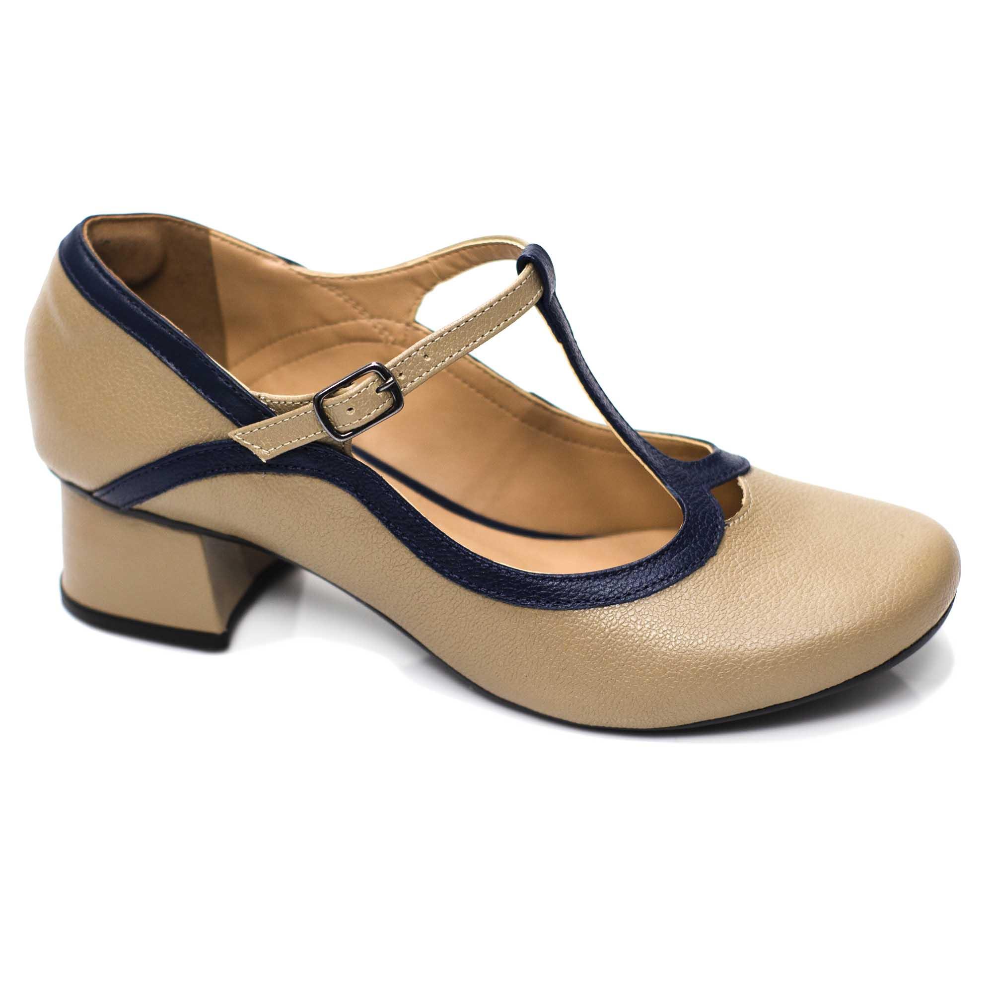 Sapato Retrô em Couro Delfínio