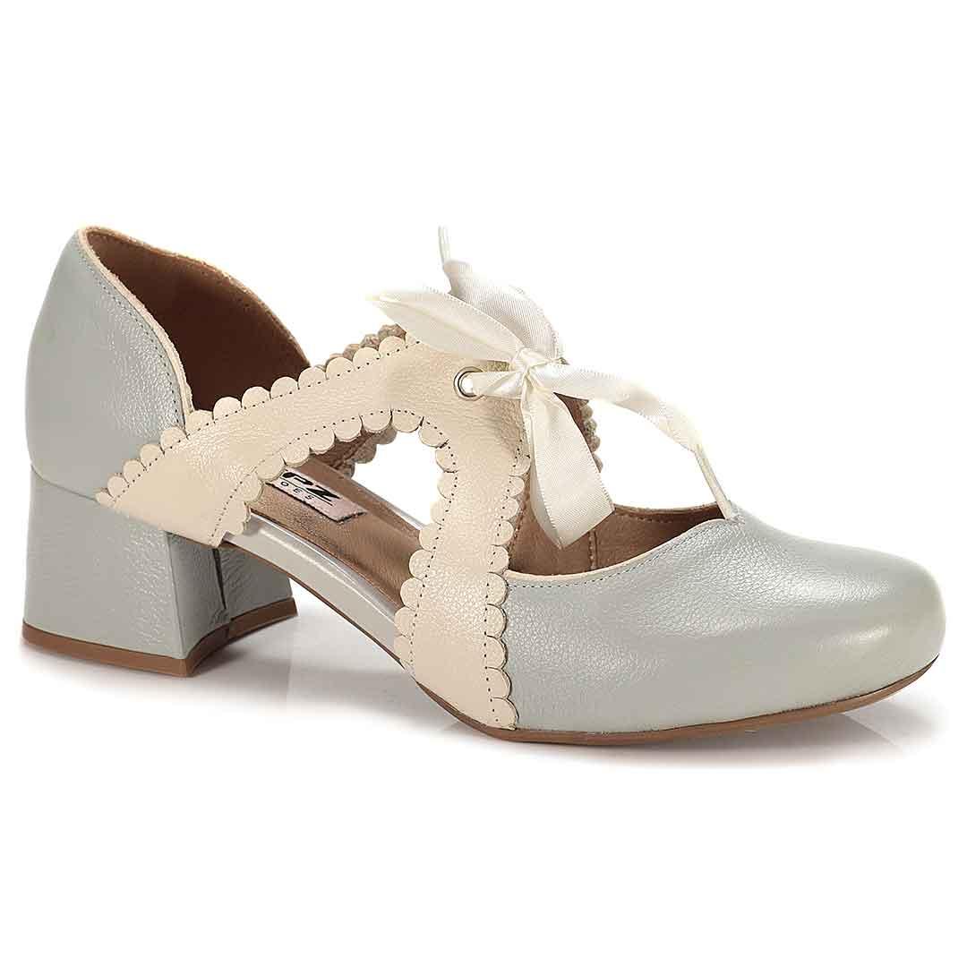 Sapato Retrô em couro Doçura
