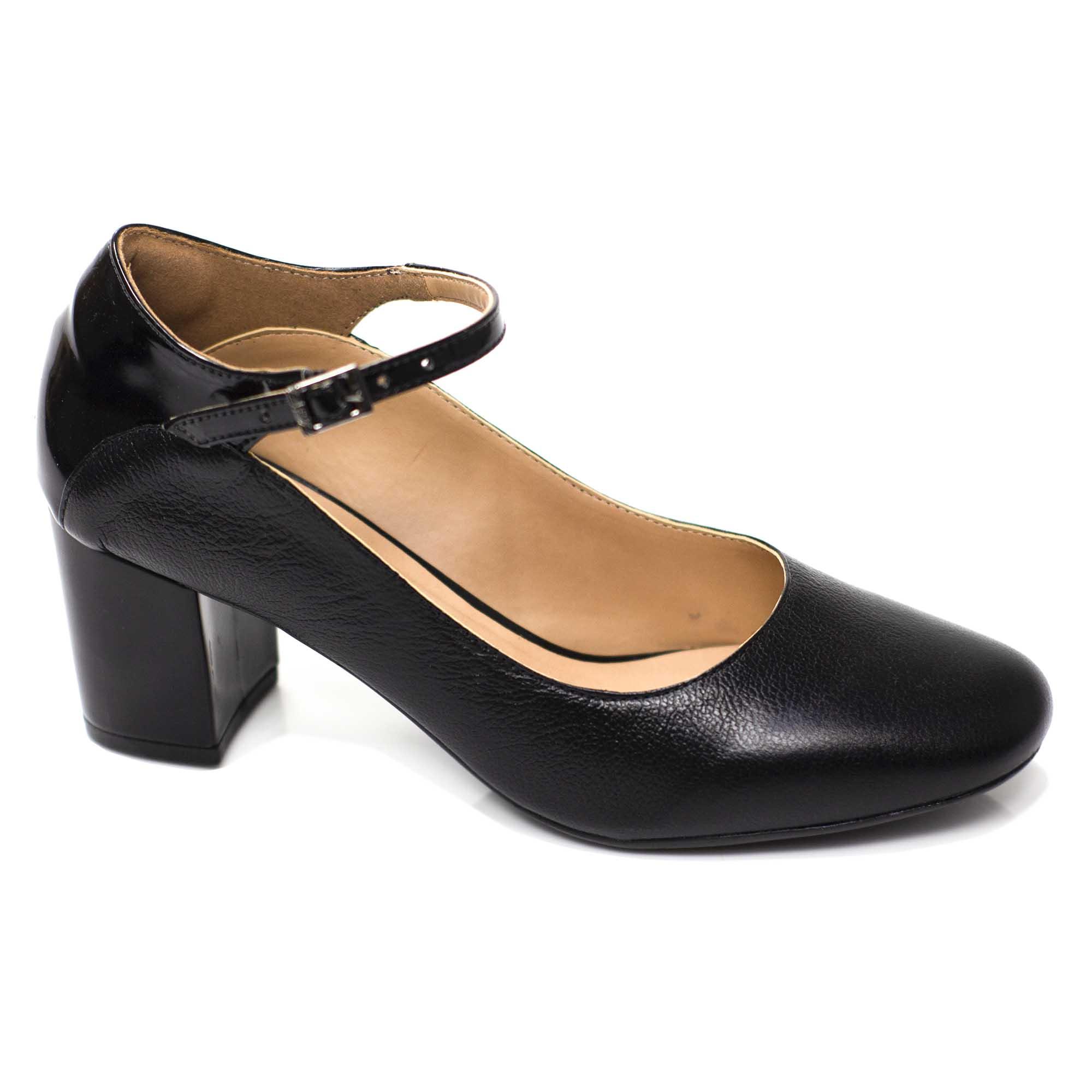 Sapato Retrô em Couro Duct
