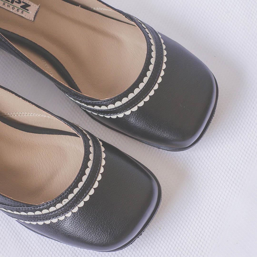 Sapato Retrô em couro Eloísa