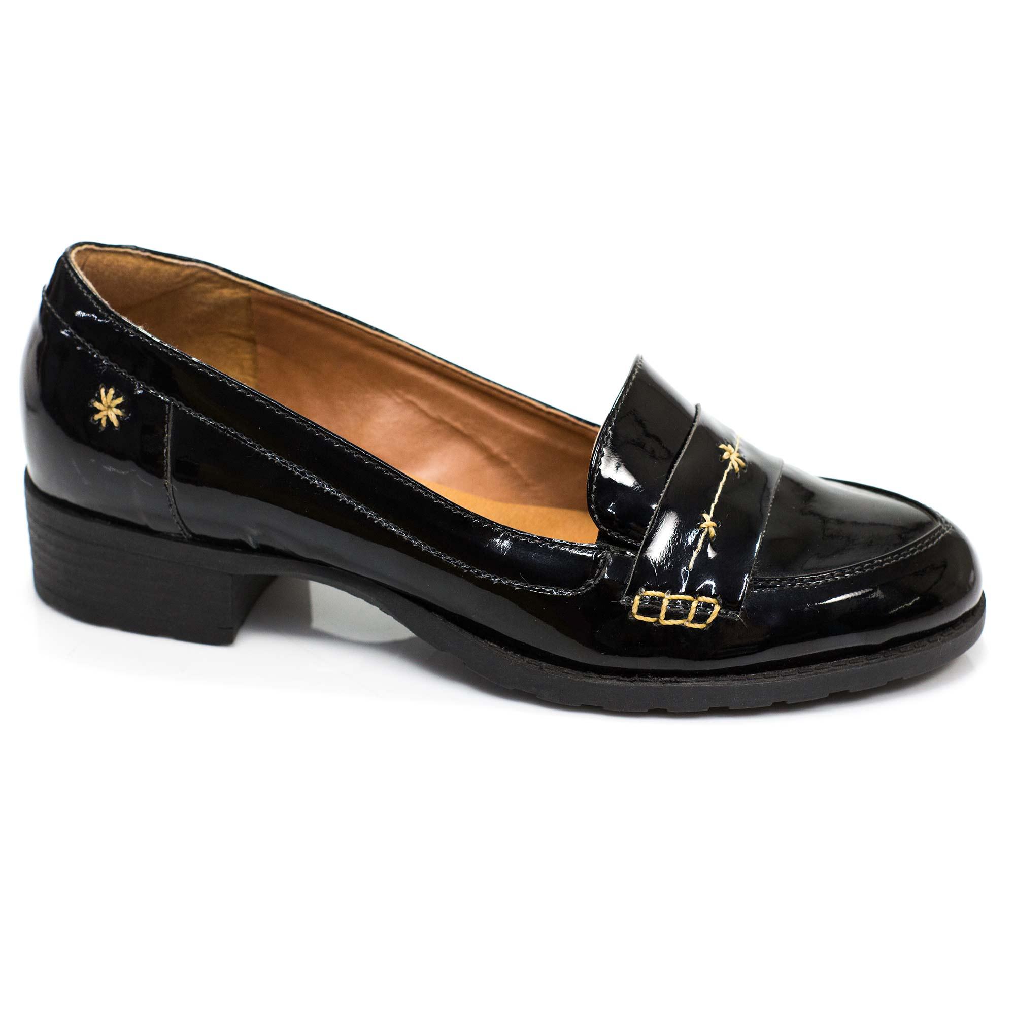 Sapato Retrô em couro Emma
