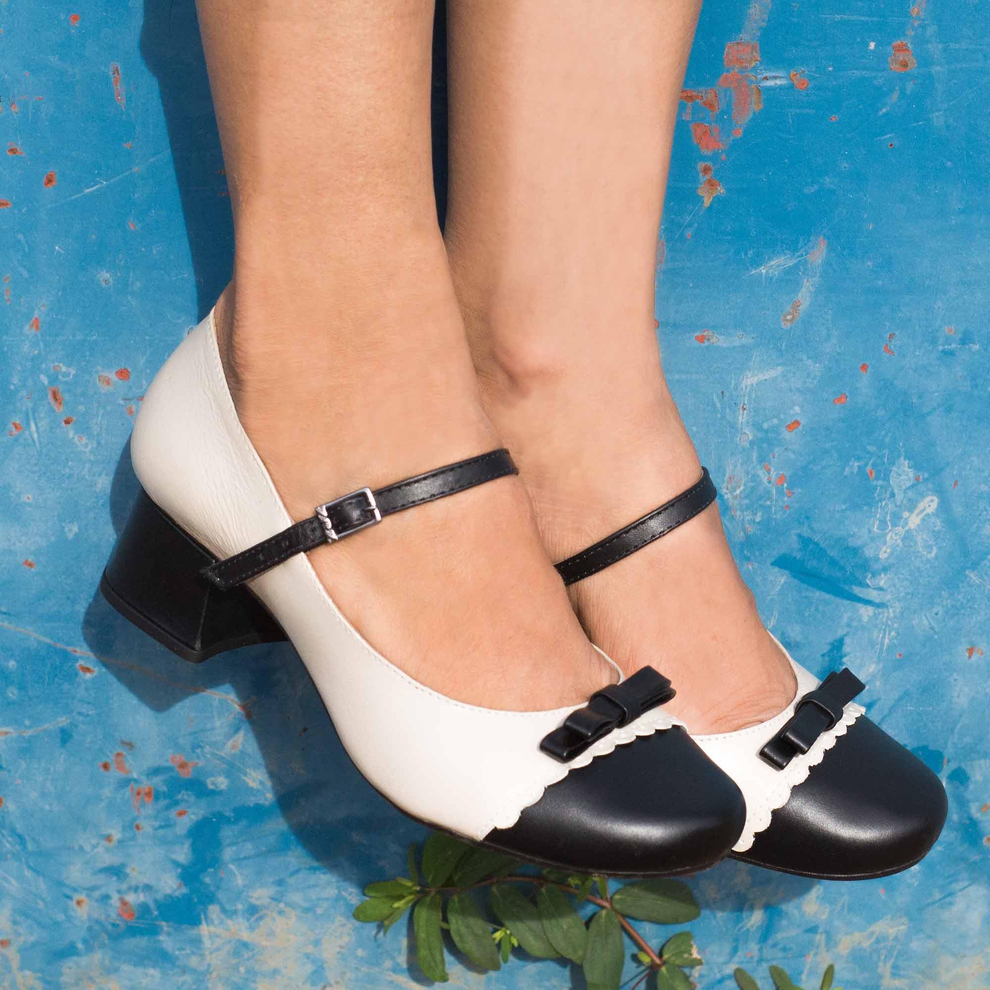 Sapato Retrô em couro Fábula