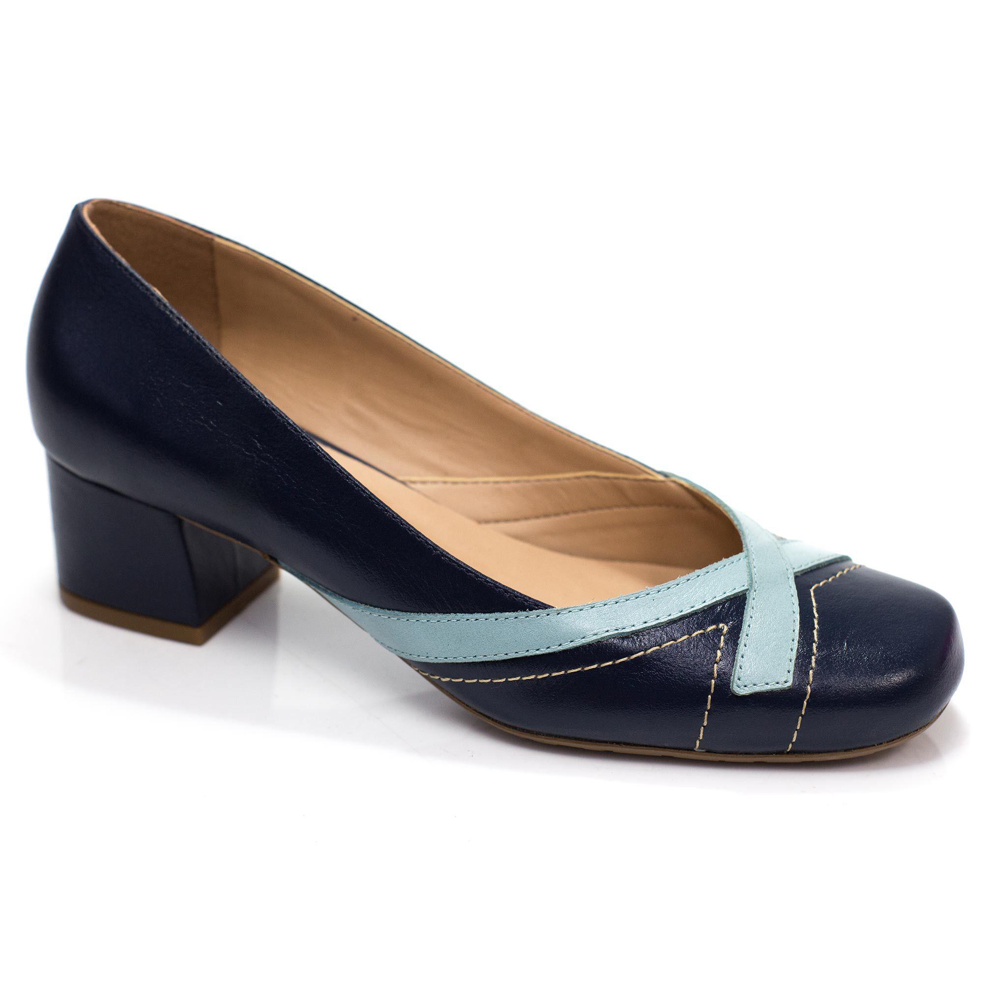 Sapato Retrô em Couro Flan