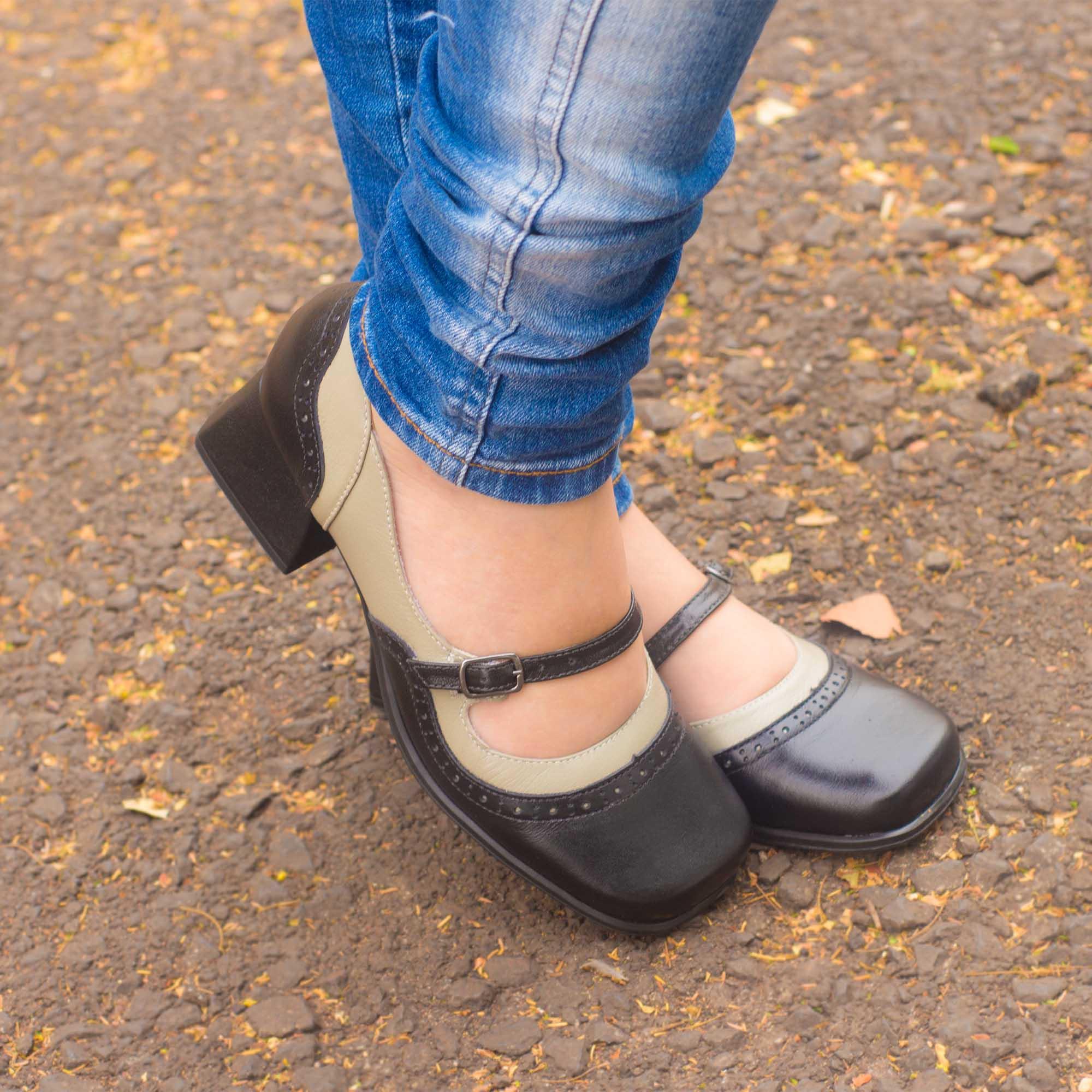 Sapato Retrô em couro Luna
