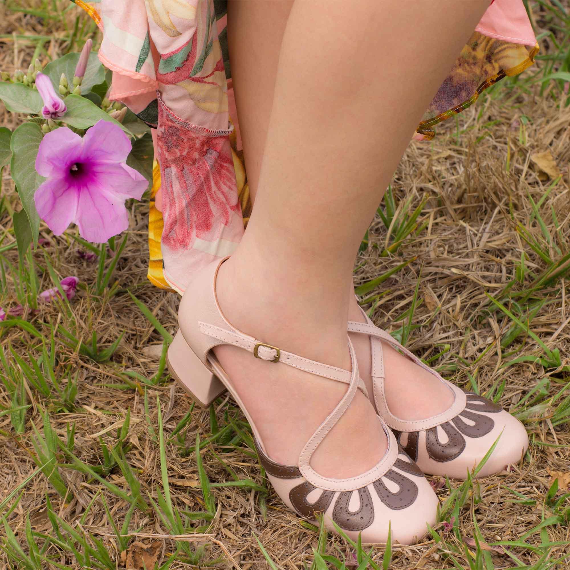Sapato Retrô em couro Sereia