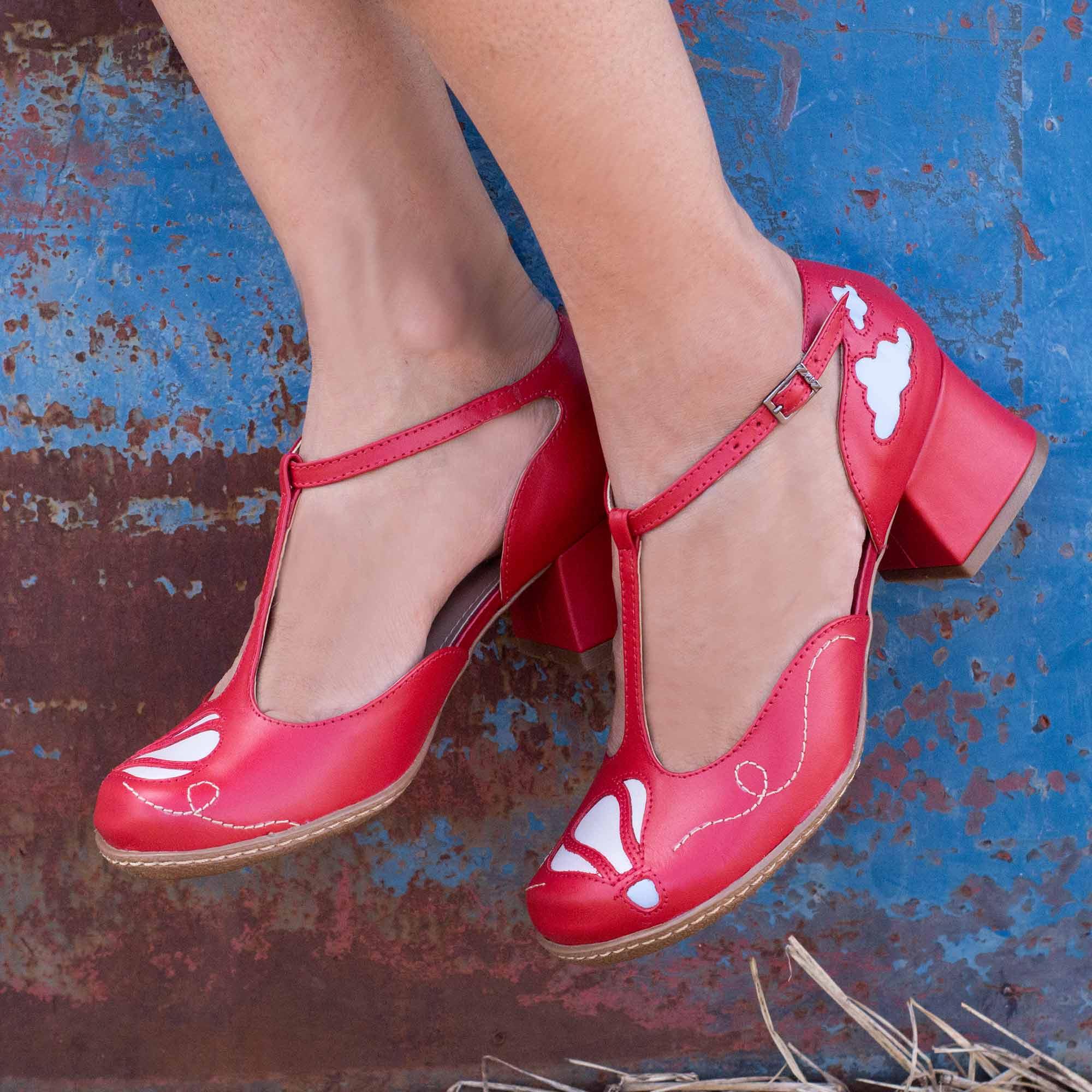 Sapato Retrô em couro Sweet Sky