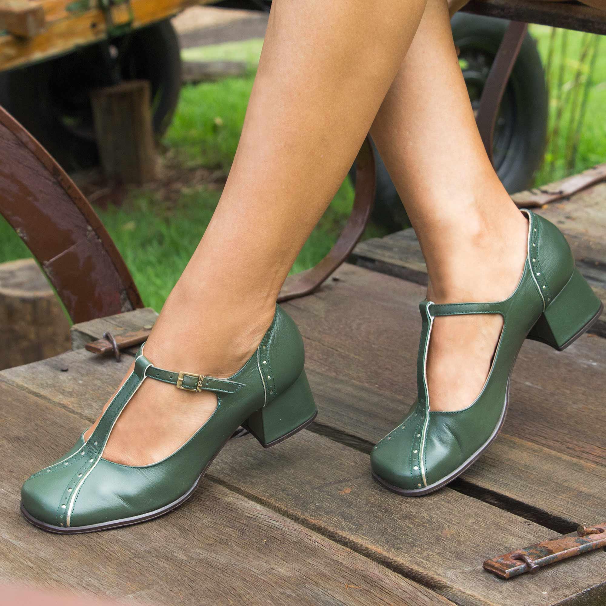 Sapato Retrô em couro Tiana
