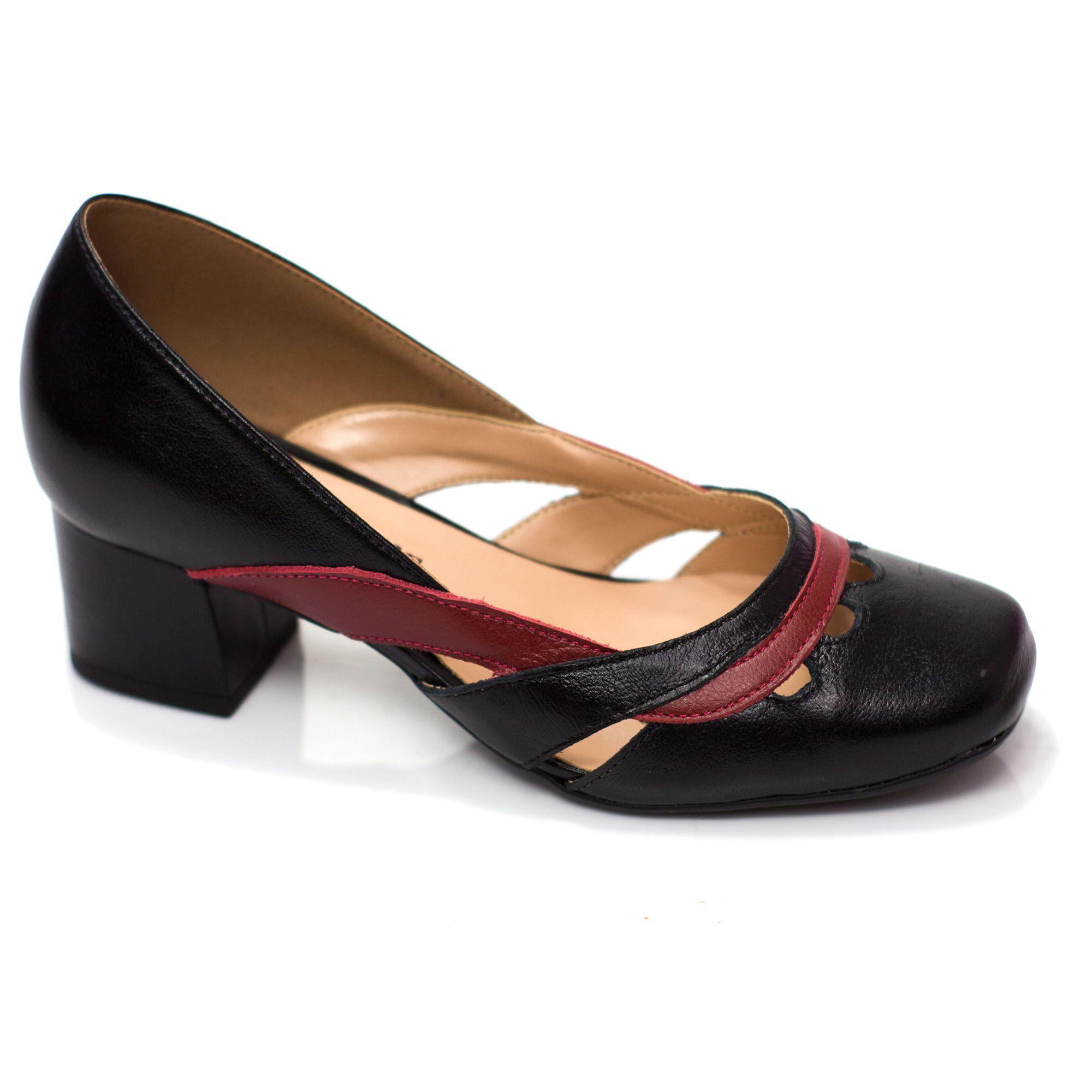 Sapato Retrô em Couro Truffles