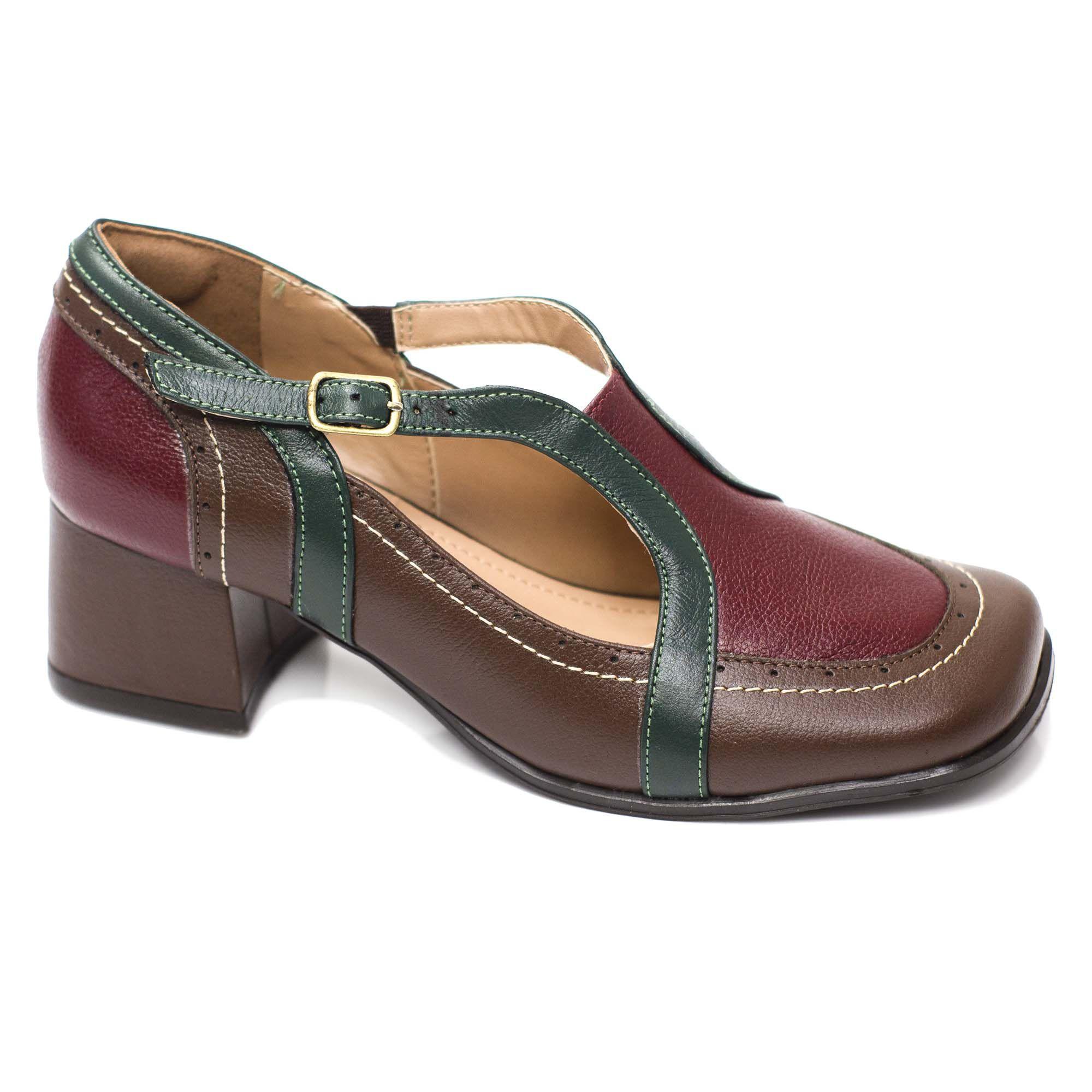 Sapato Retrô em Couro Wooden