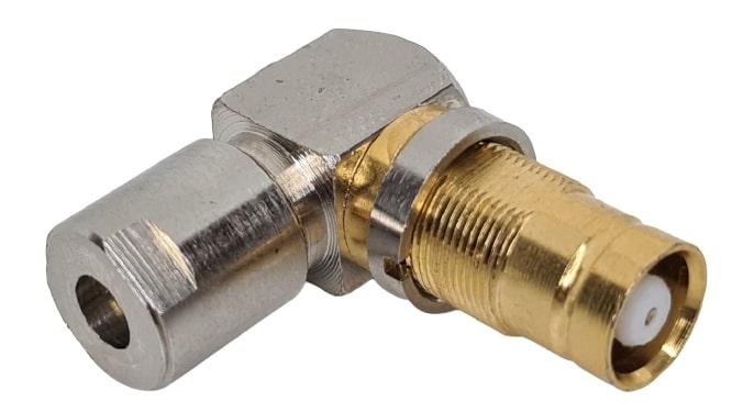 CONECTOR IEC FEMEA ANGULAR 0,4X2,5 SOLDA