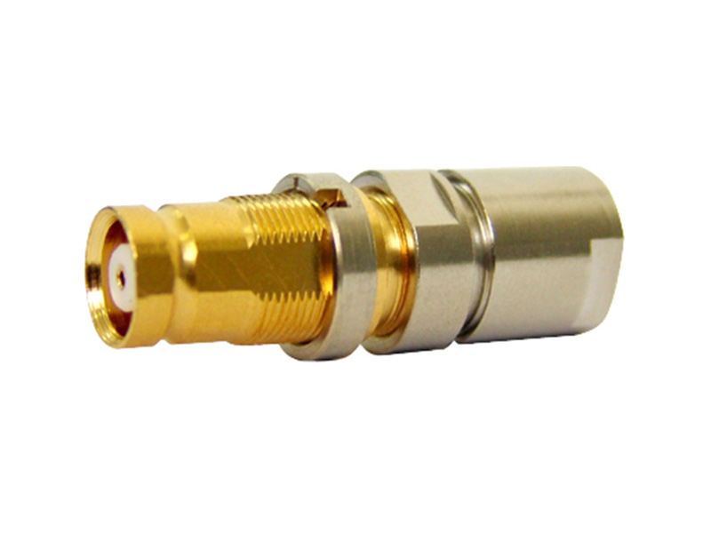 CONECTOR IEC FEMEA RETO 0,6X3,7 SOLDA