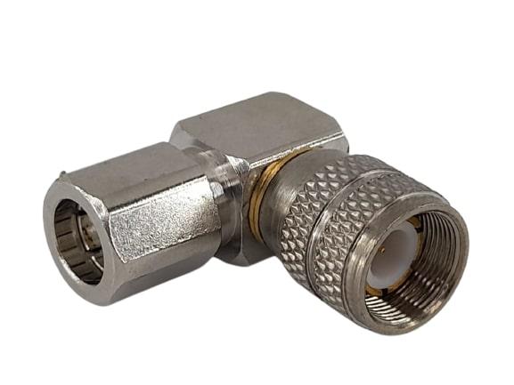 CONECTOR IEC MACHO ANGULAR 0,6X3,7 SOLDA
