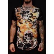 Camiseta Black West Caveiras Snakes