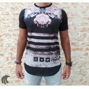 Camiseta Evoque Black Textures, Lines and Flowers