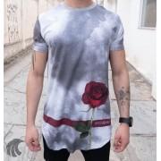 Camiseta Evoque Cinza Long Line Nevoa e Rosa