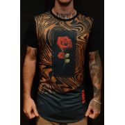 Camiseta Evoque Long Line Black Center Rose