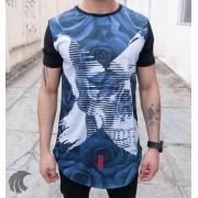 Camiseta Evoque Preta Long Line X Flores