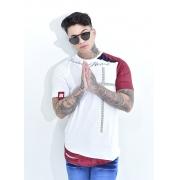 Camiseta Lendary Branca Cruz Detalhes Brilhantes