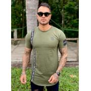 Camiseta Verde Militar Suspensório Long  Line Premium Volk Culture