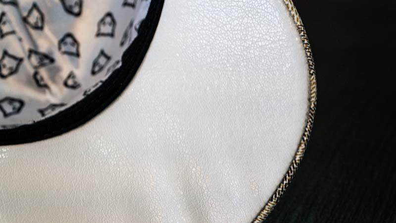 Boné Volk Culture Xadrez Aba Curva Branco  - Harpia Moda - Moda Masculina & Acessórios