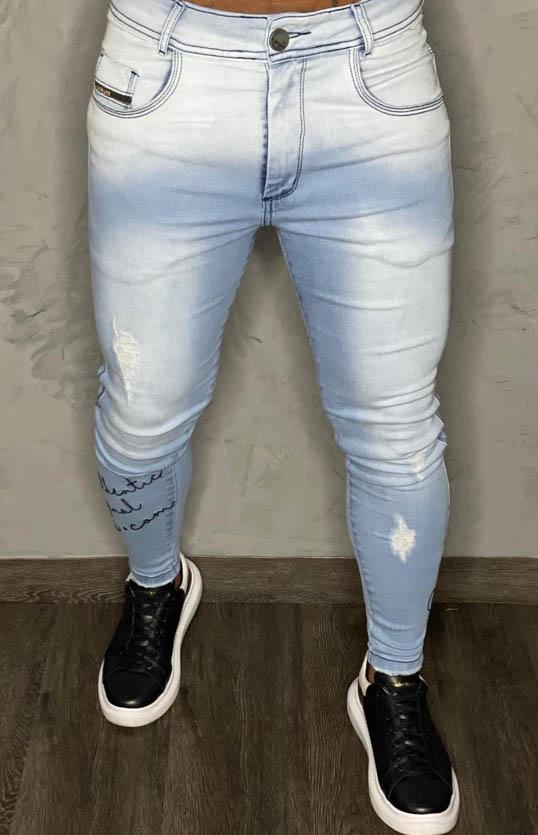 Calça Codi Jeans Skinny Azul Claro Escritas/Perna  - Harpia Moda - Moda Masculina & Acessórios