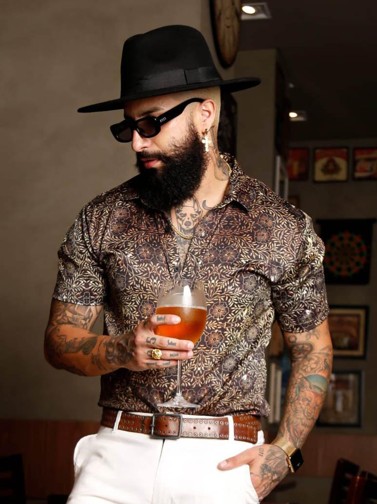 Camisa Botão Exalt Urban Florais Douradas  - Harpia Moda - Moda Masculina & Acessórios