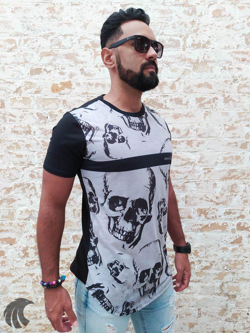 Camiseta Amazing Black Floating Skulls  - Harpia Moda - Moda Masculina & Acessórios