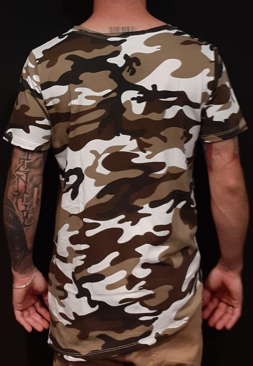 Camiseta Amazing Long Line Camouflaged Green  - Harpia Moda - Moda Masculina & Acessórios