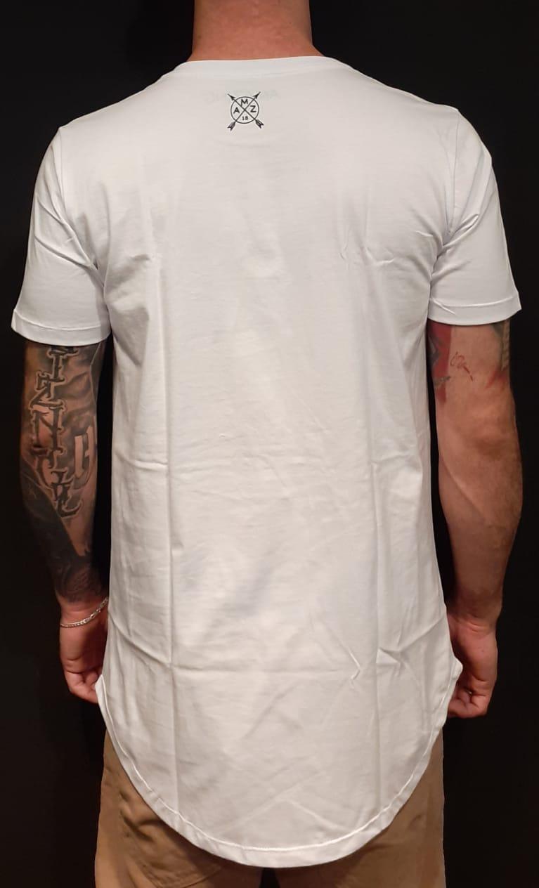 Camiseta Amazing Long Line Flowers White  - Harpia Moda - Moda Masculina & Acessórios