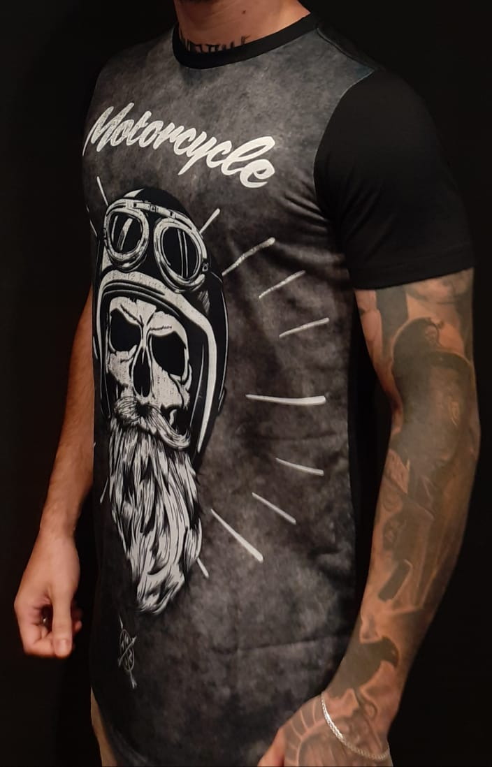 Camiseta Amazing Long Line Old Bearded Black  - Harpia Moda - Moda Masculina & Acessórios
