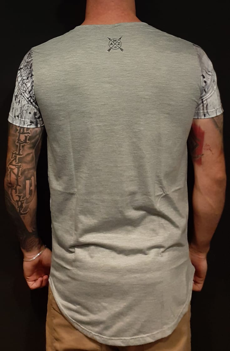 Camiseta Amazing Long Line  Red Rose Grey  - Harpia Moda - Moda Masculina & Acessórios